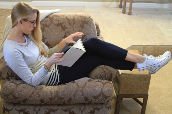 Reading Navy Gray Outfit