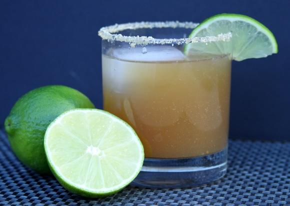 Sliced Lime Spiced Cider