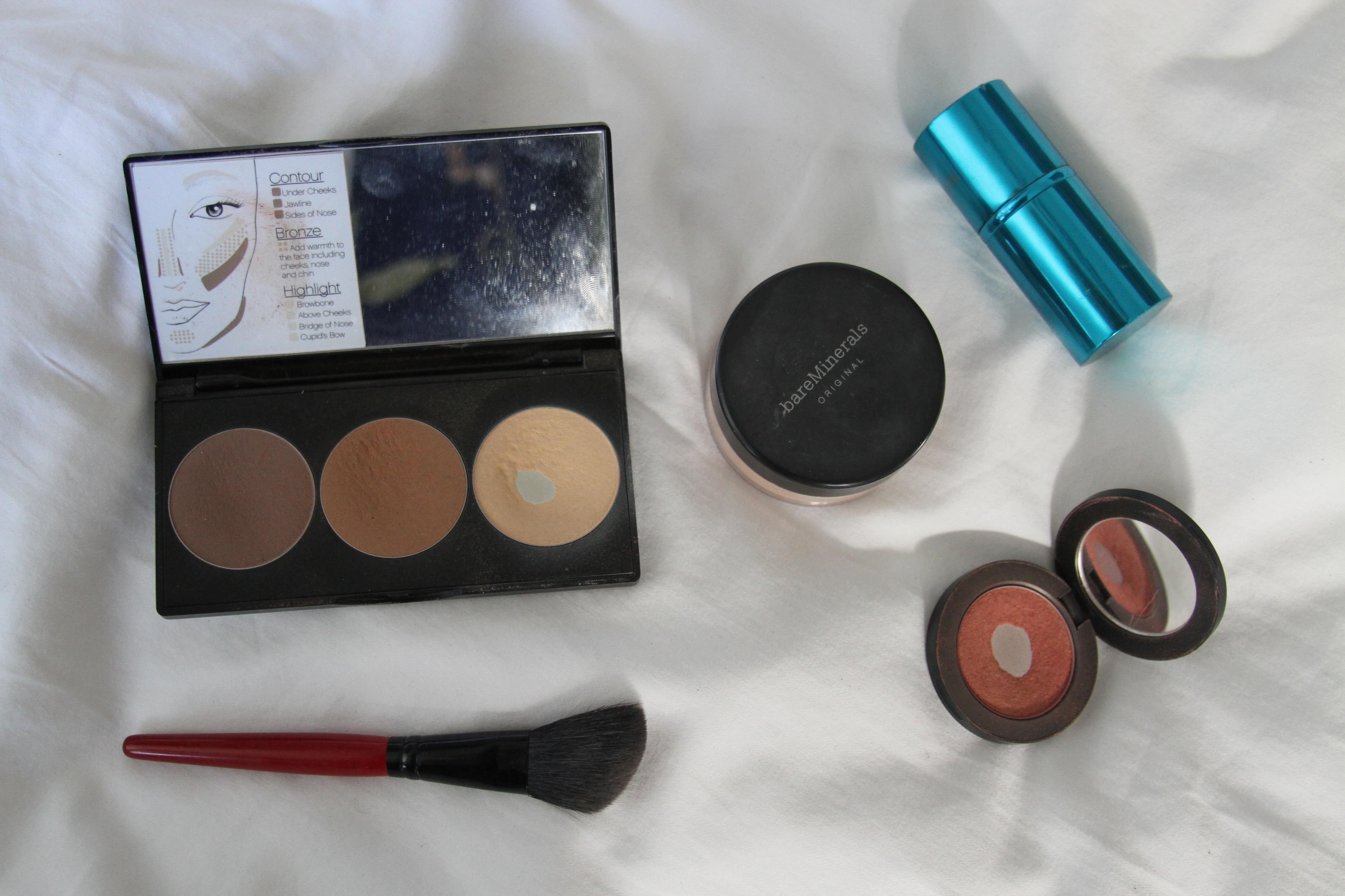 From Top Left): Countouring Kit From Smashbox (this Makeup Artist Who  Was A Drag Queen Recommended This To Me…love), Bareminerals Medium Beige  Powder,